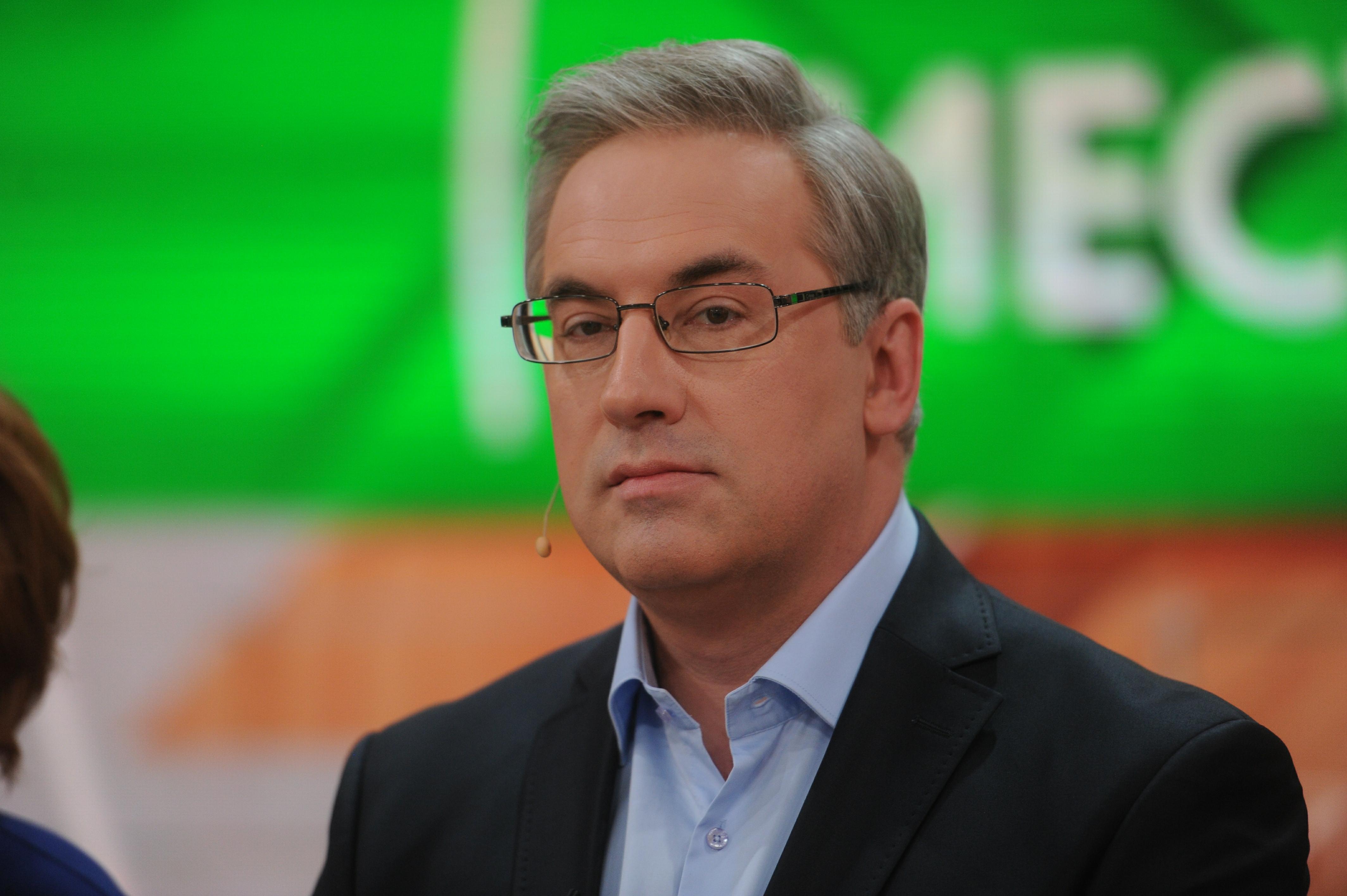 Пропавший из эфира НТВ ведущий объявился