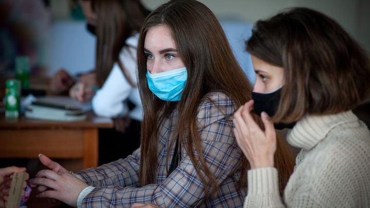 «Закрыть все и доучиться летом»: студенты Санкт-Петербурга предложили выход из положения