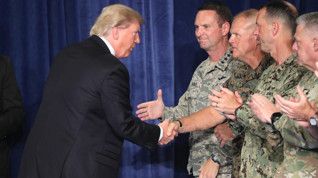 Трансгендеры ополчились на Трампа после запрета служить в армии