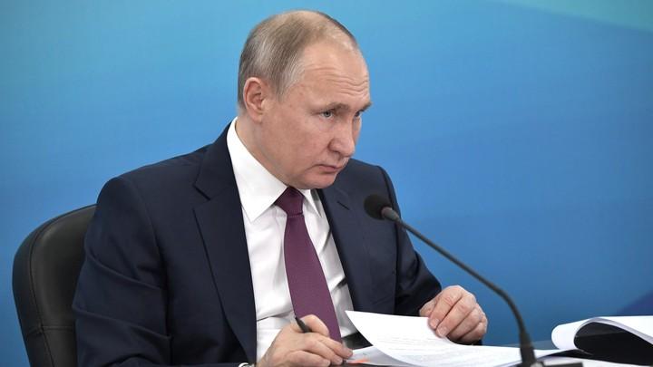 Путин в Красноярске оценил крупнейший авиаузел за Уралом