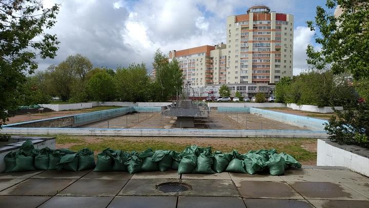 Во Владимире частично застроят сквер с фонтаном за белым домом