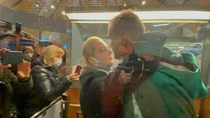 Навальному сменили куратора? Соловьёв и Сосновский объяснили упорное молчание Меркель