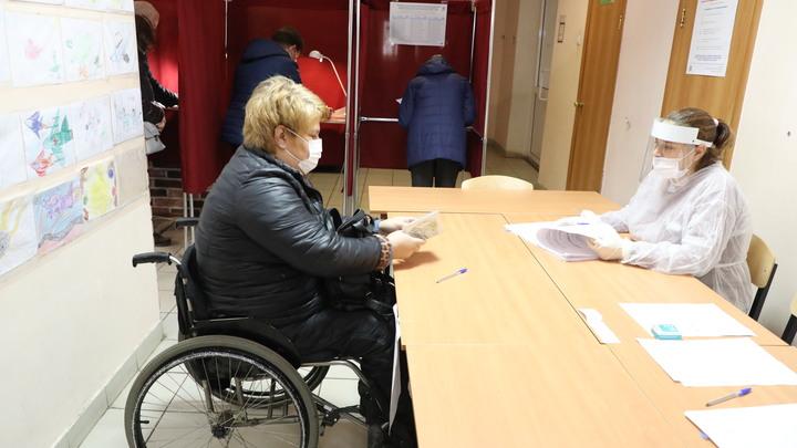 В 14 нижегородских районах организовано такси для доставки инвалидов на выборы