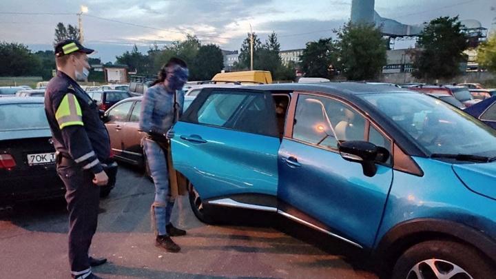 Вот это кино: В Минске милиционеров удивил пьяный «аватар»