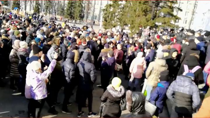 Соврал и убежал: Липовые очевидцы отказались доказывать слухи о сотнях могил и тысячах трупов