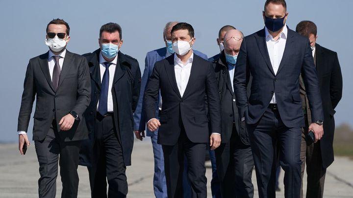 Не могу найти чистых: Зеленский пожаловался на кадровый голод и непрофессионализм чиновников