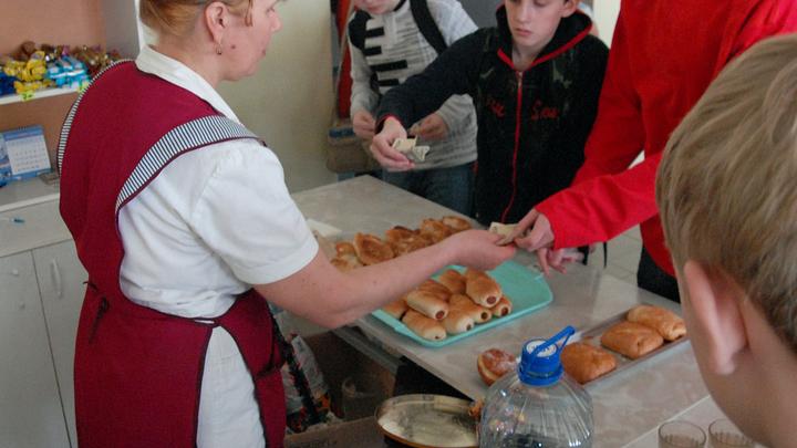 В Тольятти Роспотребнадзор напомнил о правилах здорового питания детям, но не поставщикам