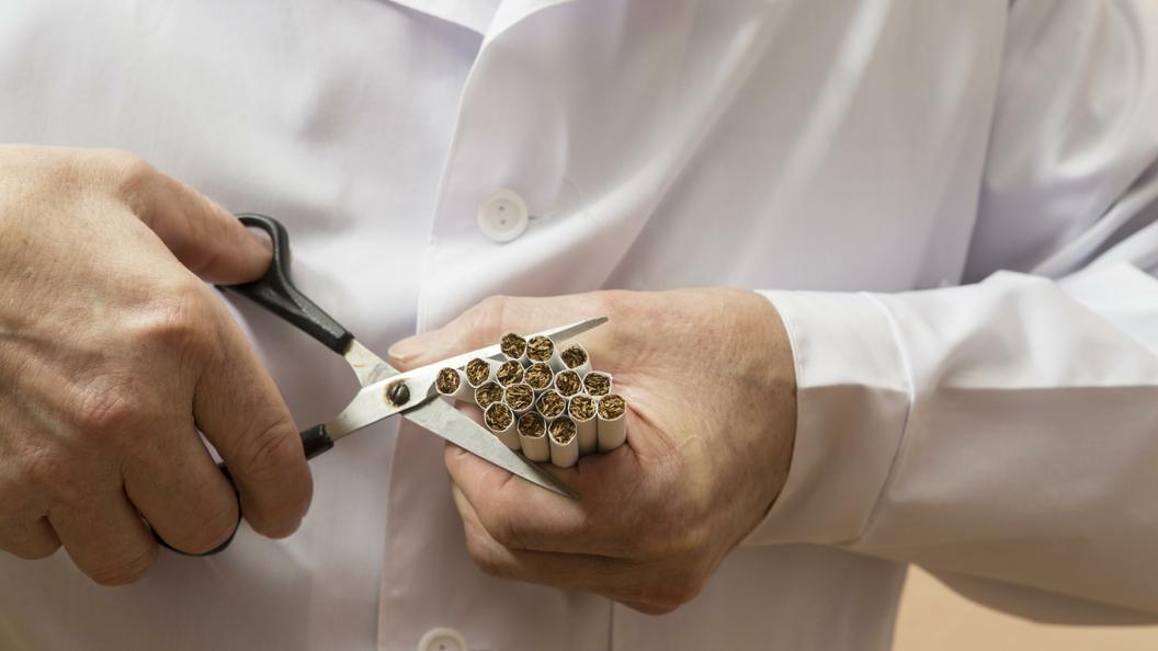 Британия намерена сделать страну полностью некурящей