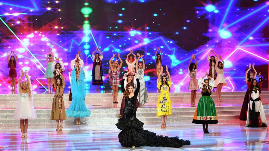 Брюнетка изИндии стала владелицей короны «Мисс мира 2017»