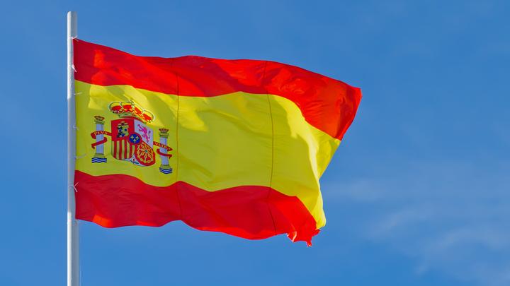 Испания начала выдавать шенген беларусам. Но не всем