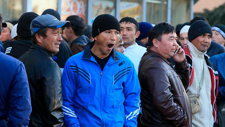 Будем жить по законам шариата? Мигранты бросают вызов России