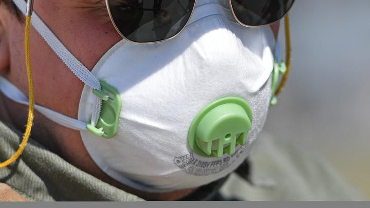 Продолжает работать: Массажист заявил о вспышке коронавируса в поликлинике Новосибирска