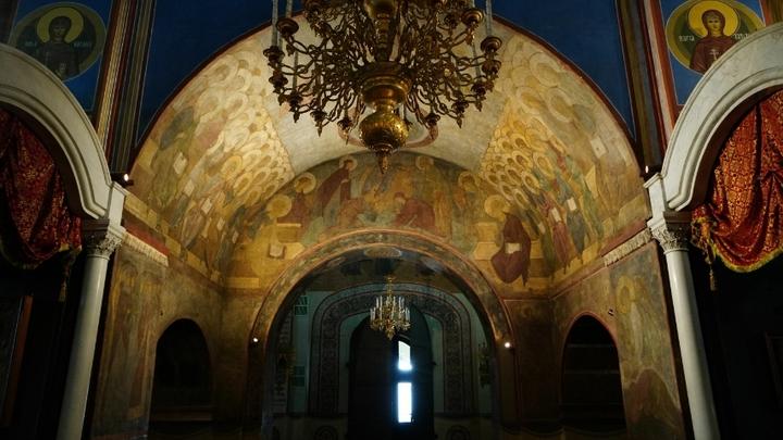 Фрески Рублёва в Успенском соборе Владимира подсветили по-новому