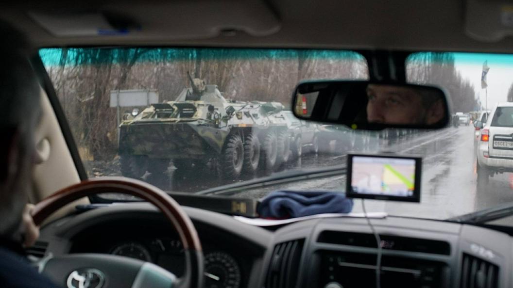 Колонна военной техники сбоевиками ДНР покинула Луганск