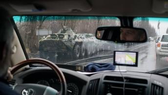 Возвращение военной техники из Луганска в Донецк попало на видео