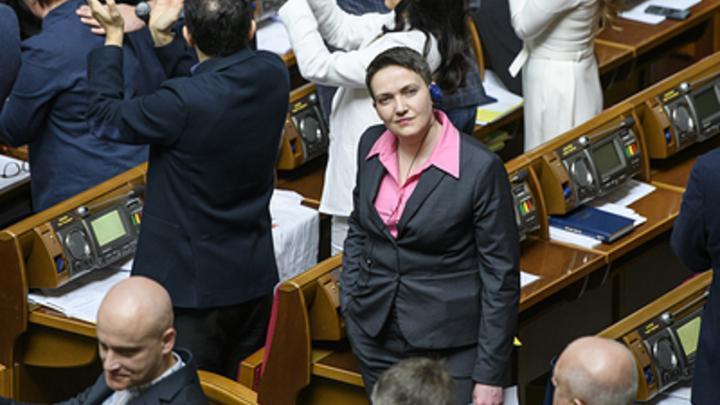 Почему сейчас эта мерзость право имеет раскачивать Украину?: Савченко сорвалась на крик в прямом эфире