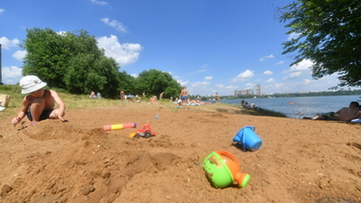 Эпидемиолог предупредил об опасности песка на пляже