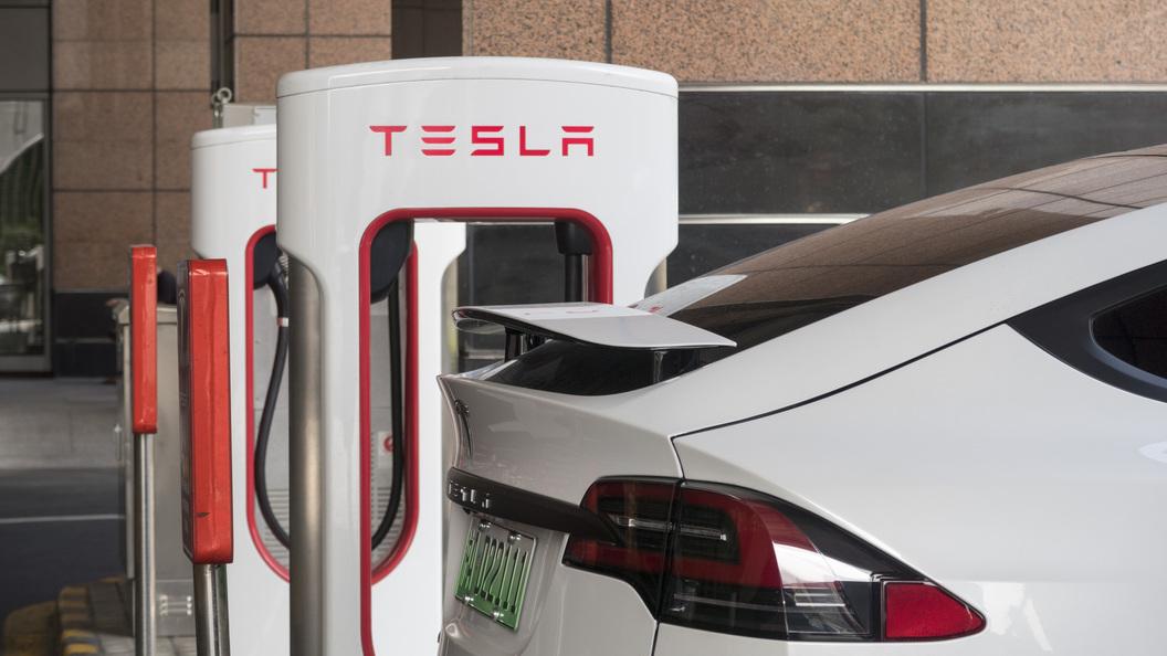 Продажи электромобилей Tesla увеличились на69%: реализовано 27 машин