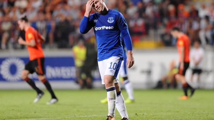 Известный английский футболист Руни пойман пьяным за рулем