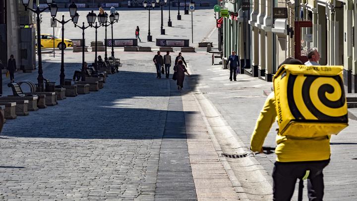 Ты работаешь в Яндексе, я - в Деливери… Почему драка курьеров в Москве вызывает изумление