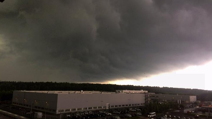 Метеорологи обещали Центральной России грозы и аномальную жару