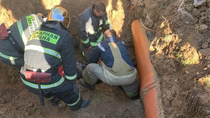 Людей завалило землёй в деревне Афонино Нижегородской области, один погибший