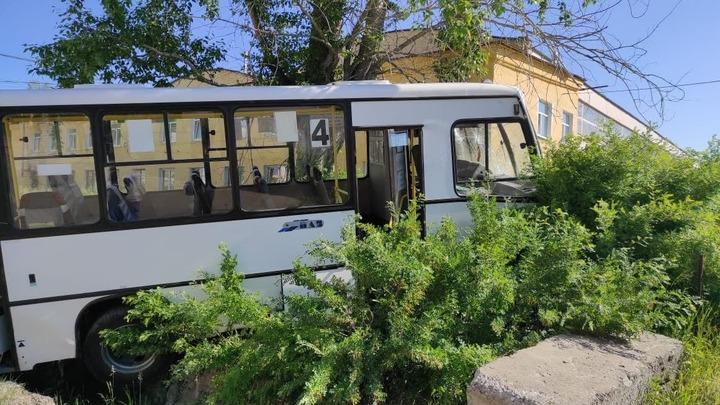 Полиция возбудила уголовное дело на водителя, который устроил ДТП с шестью погибшими на Урале