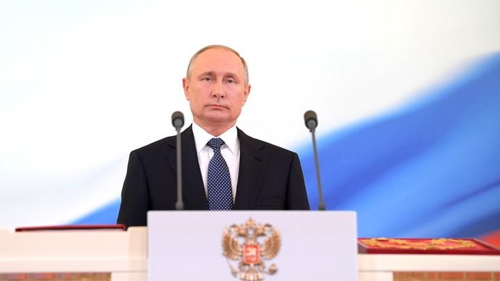Госдума встретила Путина аплодисментами и криками «ура»
