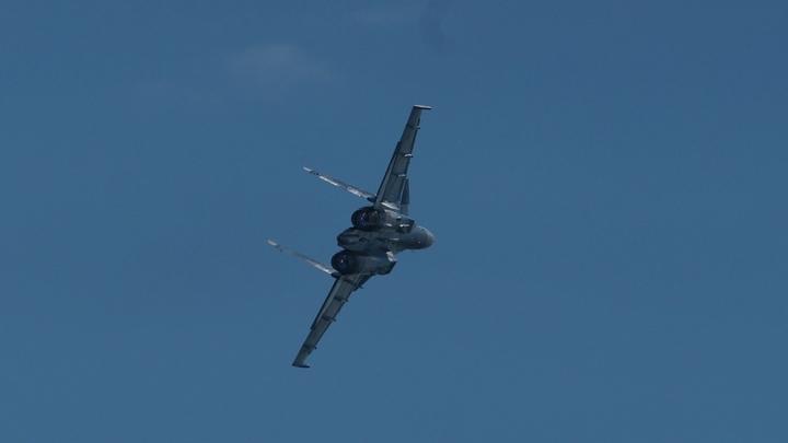Истребитель ВВС Сирии сбили близ Эль-Бадии - СМИ