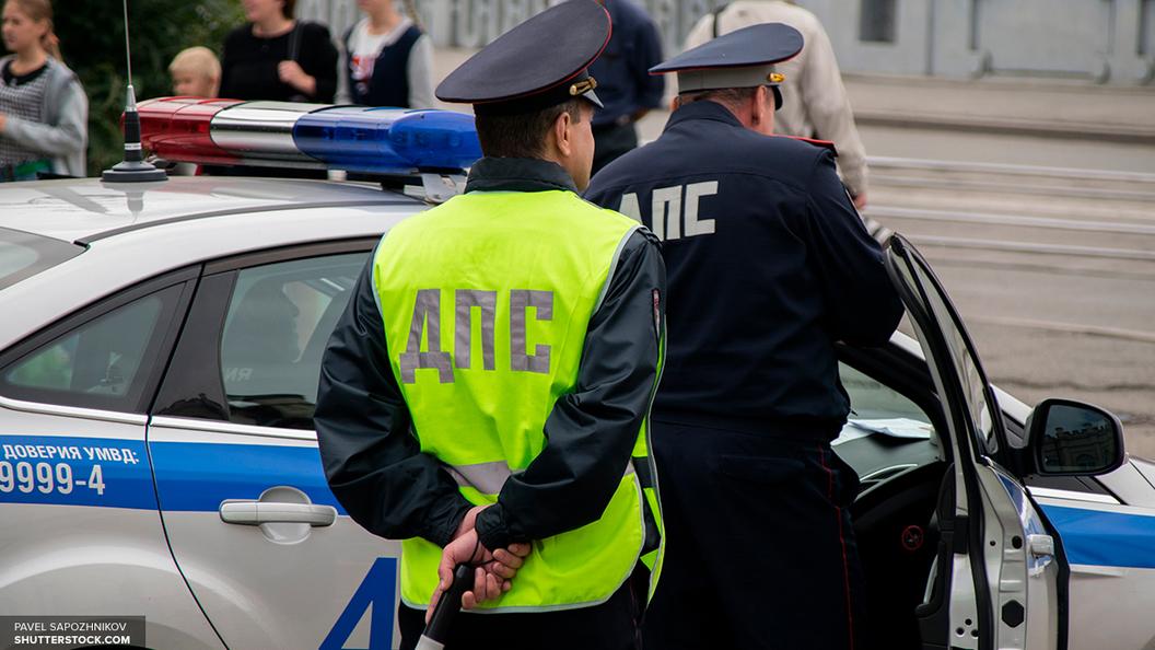 ГИБДД: В Петербурге Ford вылетел на тротуар и сбил троих человек