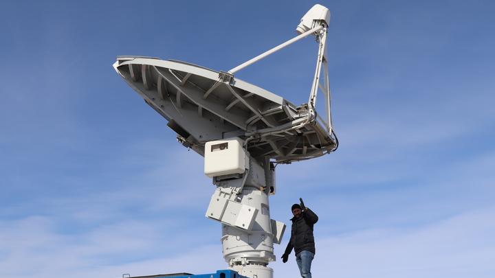 Считывают информацию со своих и с чужих: Минобороны протестировало новейший спутник-инспектор