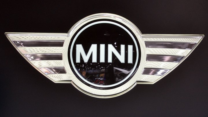 Владельцев автомобилей Mini снабдят косметическими запчастями, напечатанными на 3D-принтере