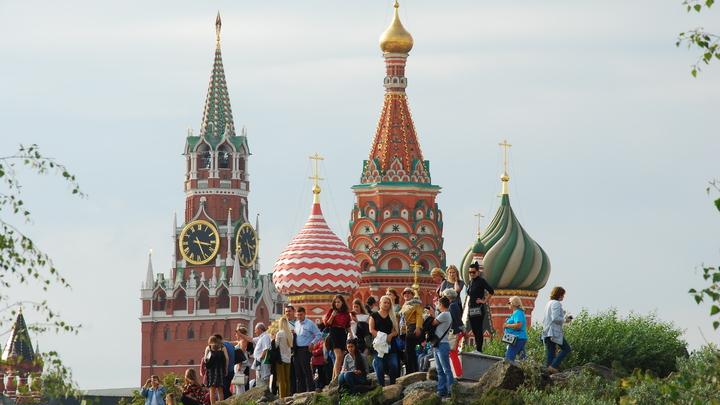 Без России - не жизнь: 600 тысяч соотечественников вернулись домой