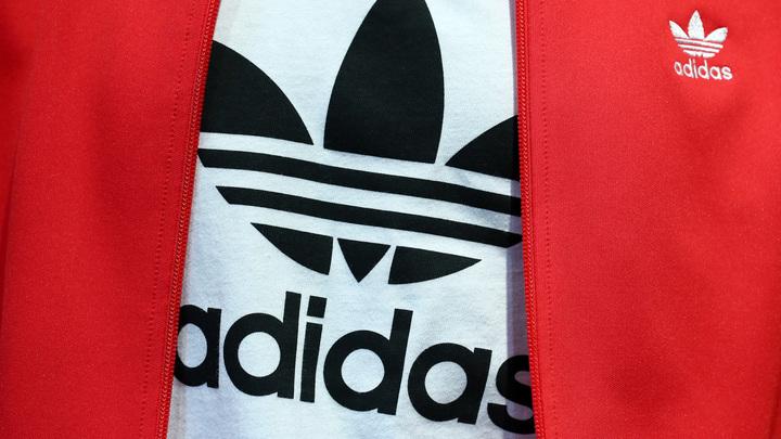 Русофобы Литвы пришли в ужас от новой коллекции одежды Adidas с символикой СССР - фото