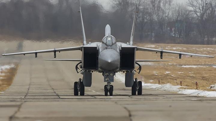 Пилоты катапультировались: В Казахстане разбился МиГ-31