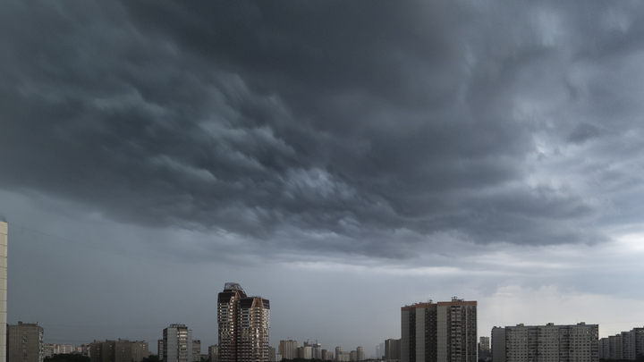 Москвичам угрожают смерчи: Синоптики заявили о нестабильной атмосфере