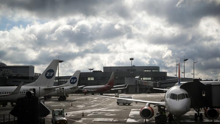 Поврежденный в Якутском аэропорту «Суперджет» показали на видео
