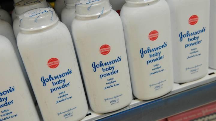 Johnson&Johnson полвека скрывала, что детская присыпка вызывает рак - СМИ