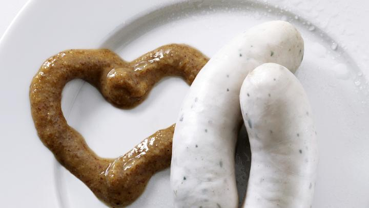 Пересядь на сосиску с афродизиаком: британский супермаркет оскандалился с мясными сердечками