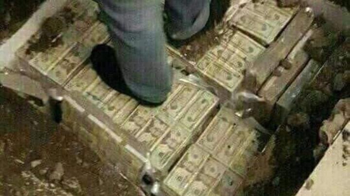 Доллары вместо фундамента: Дворец новосибирской чиновницы переплюнул хоромы полковника Захарченко - фото с обыска