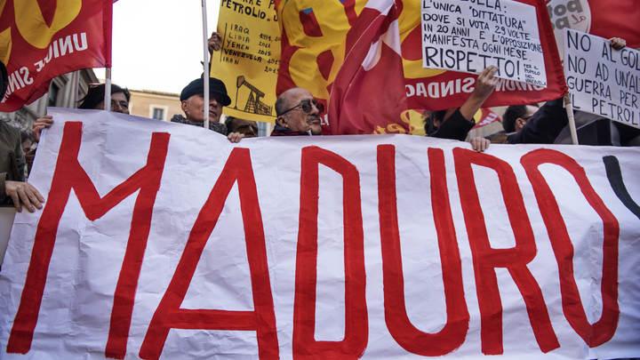 Ку-клукс-клан жаждет войны за нефть: Мадуро описал интересы США в Венесуэле