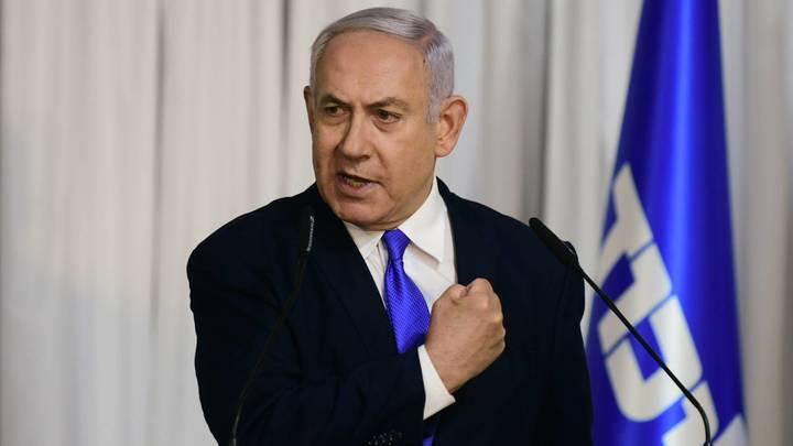 Нетаньяху прилетел на трудный разговор с Путиным вместе с женой