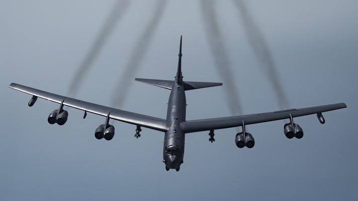 Ядерный бомбардировщик США загорелся после перехвата российскими Су-27 - хронология