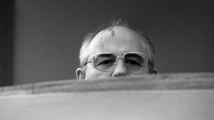 «Некоторые словарные обороты неупотребимы»: Историк рассказал о реакции на премию мира Горбачеву
