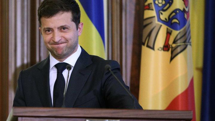 Лицо Украины, а ведёт себя, позор... Зеленский так попросил отойти министра, что тот шарахнулся