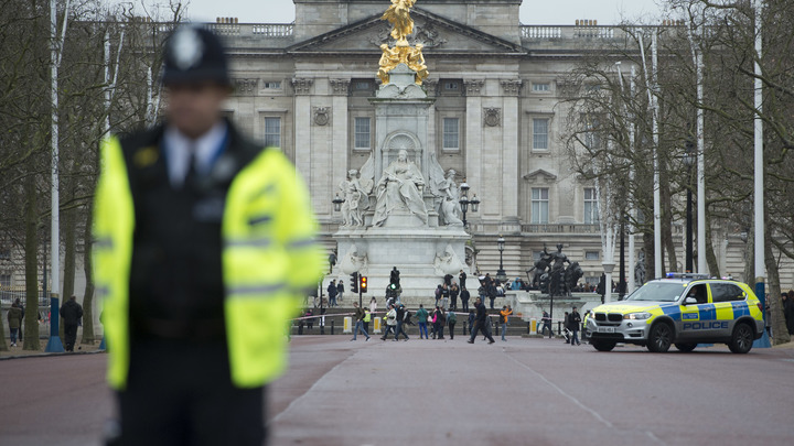 Полиция Британии не может найти виновных в наезде на людей у мечети в Бирмингеме