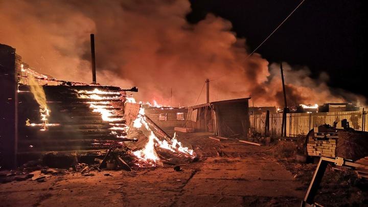 В Ивановском районе сгорела пилорама