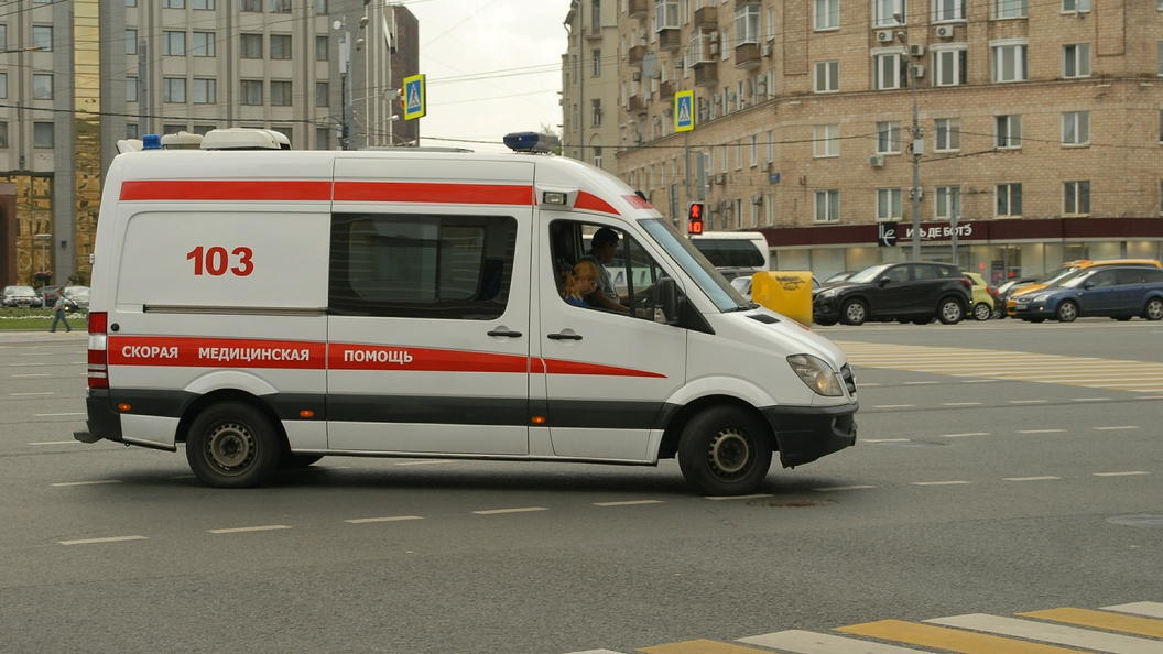 Источник опроверг информацию о погибших при наезде автобуса на остановку в Москве