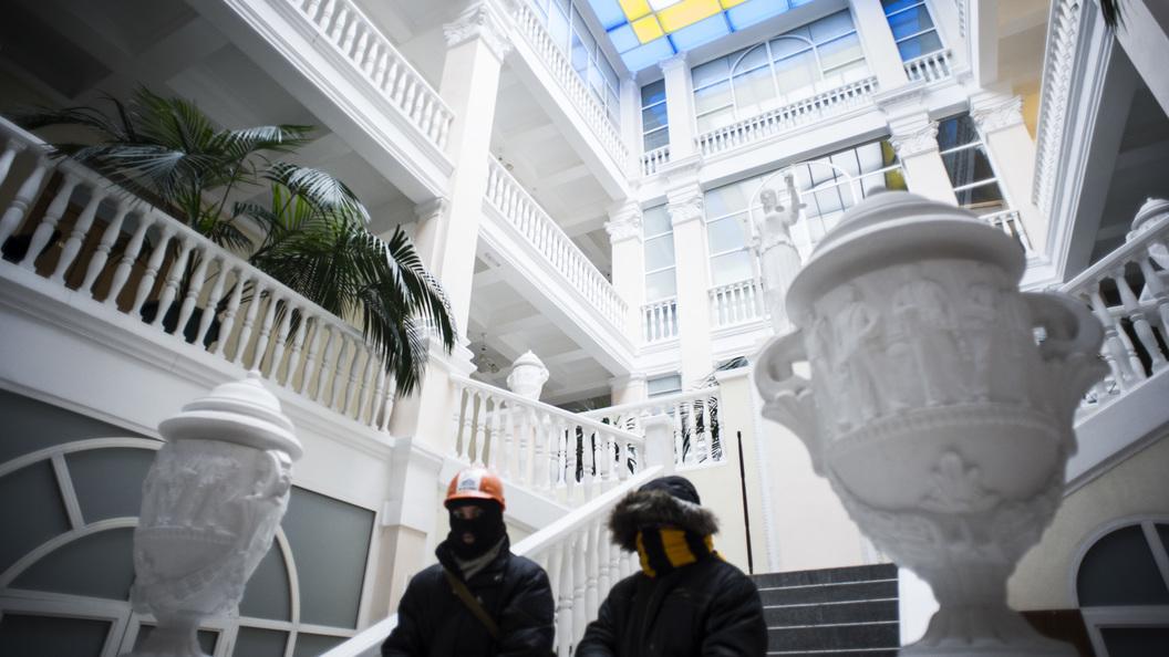 Изъяли ууборщицы ключи изаперлись: Борцы скоррупцией переполошили Минюст Украины