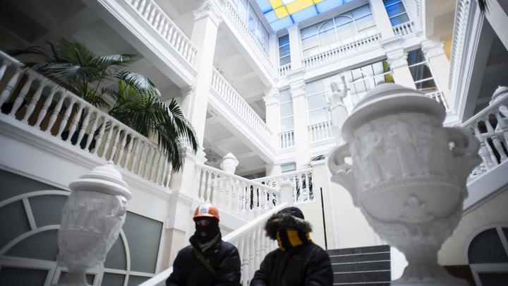 Изъяли у уборщицы ключи и заперлись: Борцы с коррупцией переполошили Минюст Украины